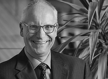 Dr. Uwe Machwirth